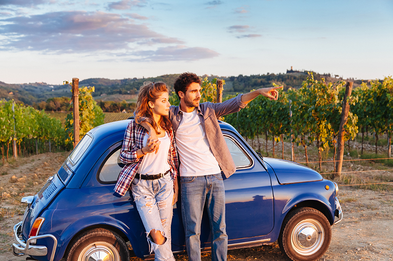 couple on a road trip in tuscany
