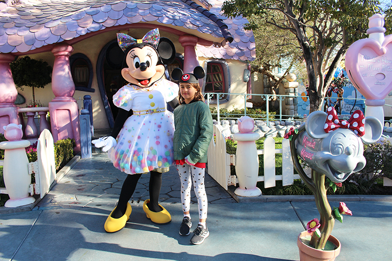 Meeting Minnie Mouse outside her house in Mickey's Toontown
