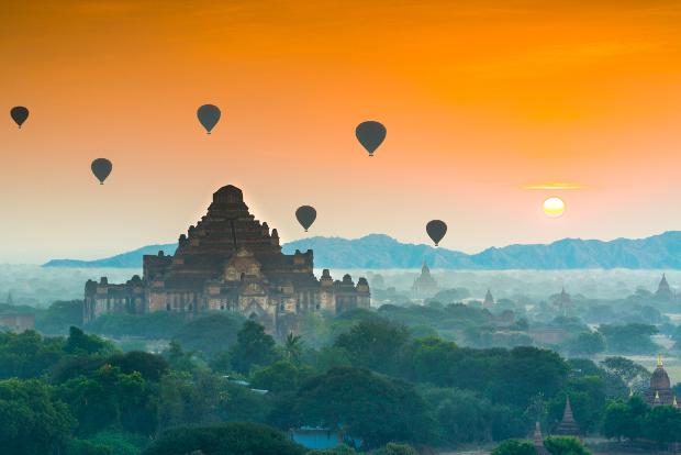 Dawn at the Temples of Bagan