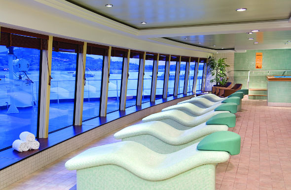 Relaxation stations at Mandara Spa face the ocean onboard Norwegian Jewel.