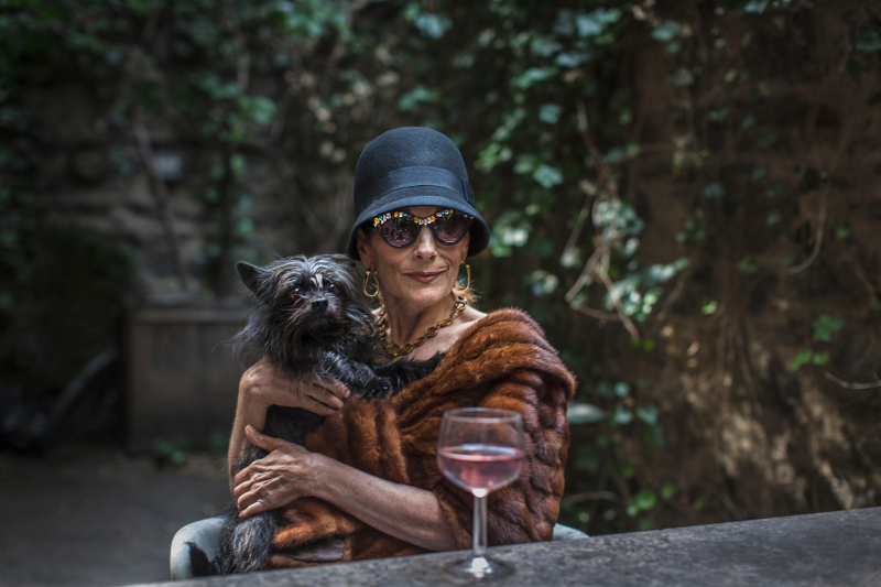 New York female with dog