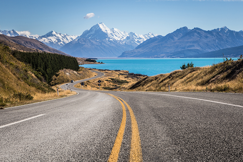 Road to Aoraki/Mt Cook, NZ