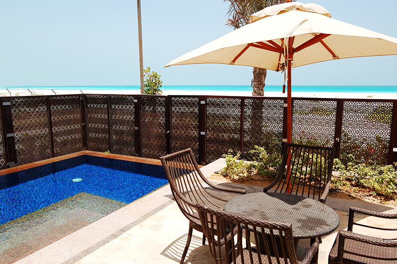 courtyard and pool in park hyatt abu dhabi villa