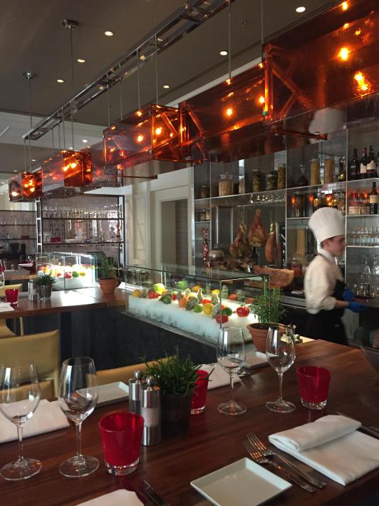 CottoCrudo restaurant, bar and lounge at the Four Seasons Hotel Prague. (Image courtesy Francesca La Spina)
