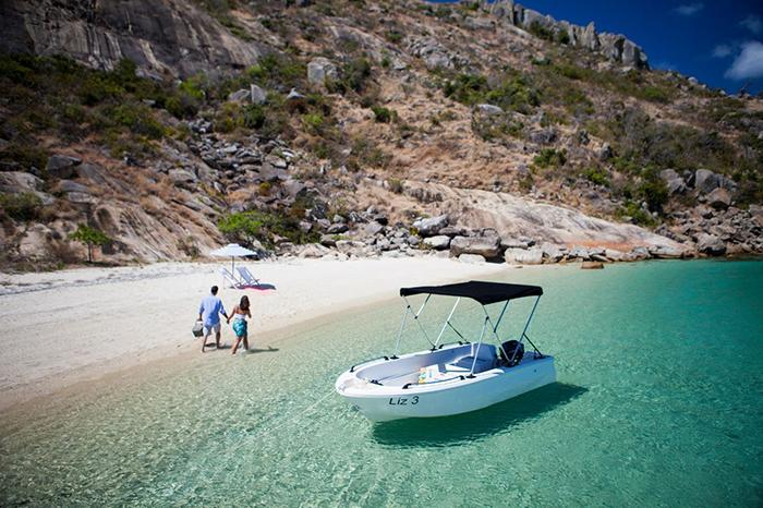 private boat lizard island great barrier reef