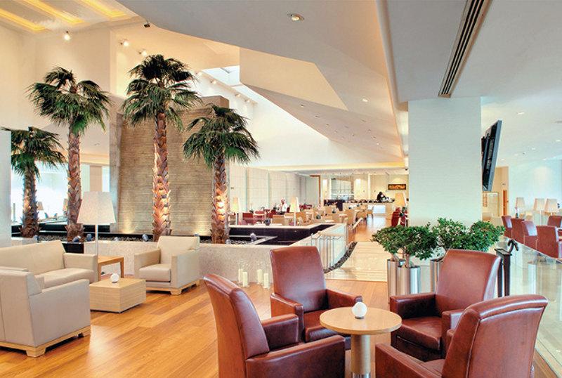 Qatar airways business class lounge