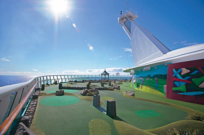 RCI Mariner of the Seas mini golf