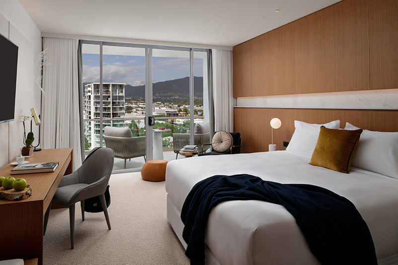 Riley resort in Cairns bedroom
