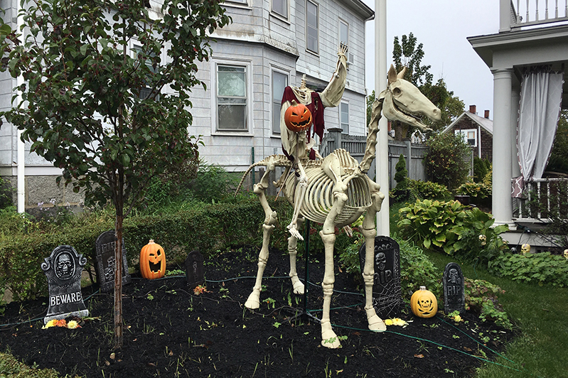 The legend of the headless horseman, Ichabod Crane, and Sleepy Hollow Halloween decorations