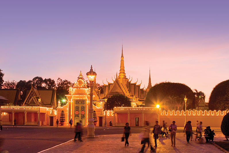 The Royal Palace in Phnom Penh at dusk