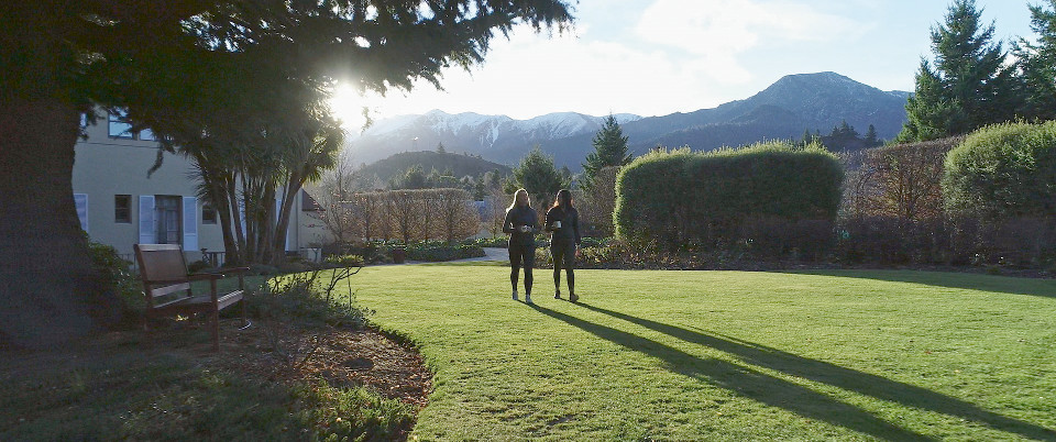 heritage hotel hanmer springs has beautiful gardens