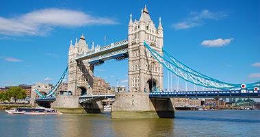 Travel from London to Venice via Paris