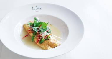 Snow crab and enoki mushroom omelette