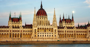 Travel from Amsterdam to Budapest
