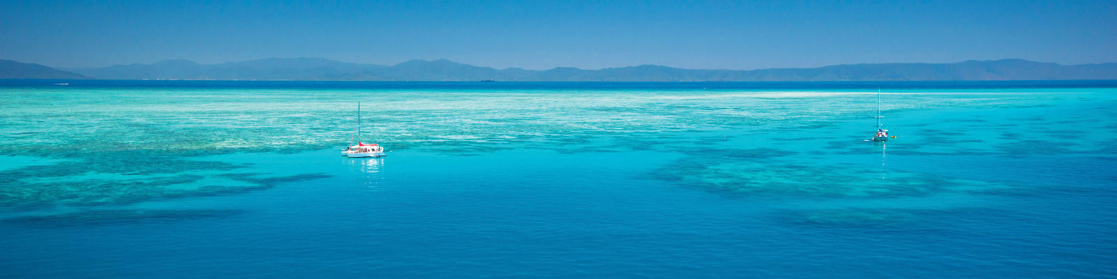 sailing boat on water on great barrier reef