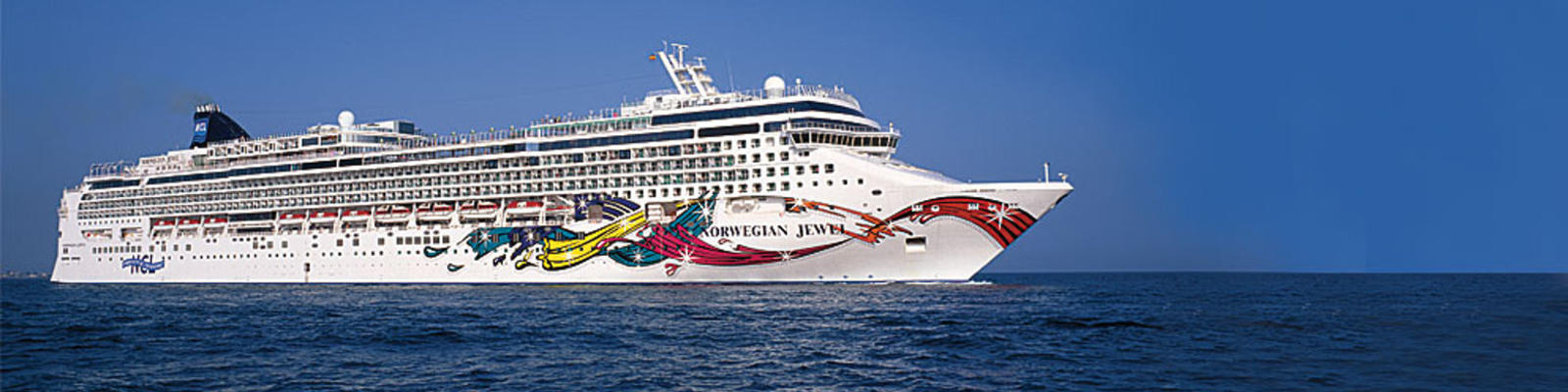 The Norwegian Jewel cruise ship at sea.