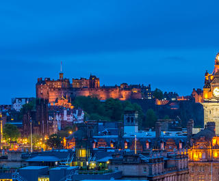 edinburgh night skyline