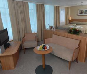 Suite(AA)