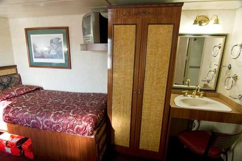 Admiral Stateroom (3)