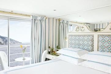 Balcony Cabin (1)