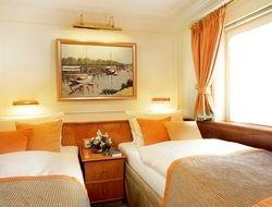 Twin Bed Cabins (4)