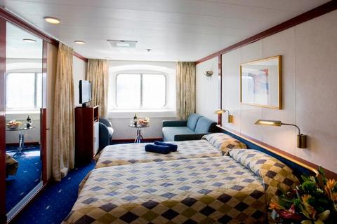 Deluxe Outside Stateroom (XE)