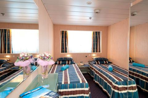 Outside Premium Stateroom (XD)