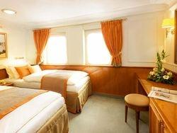 Twin Bed Cabins (3)