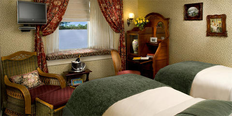 Deluxe Outside Staterooms (D)