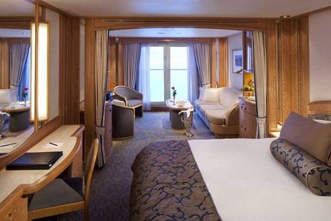 Balcony Suites (B2)