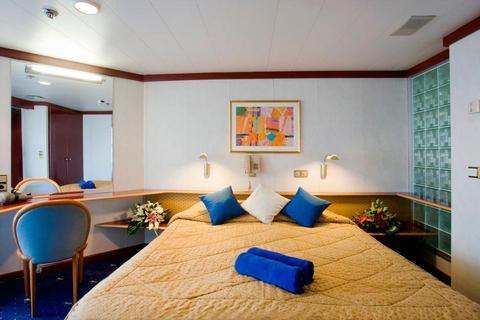 Balcony Suite (SB)