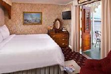 Luxury Suite with Veranda (AAA)