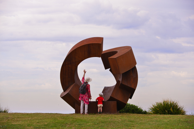 sculpture by the sea jorg plickat