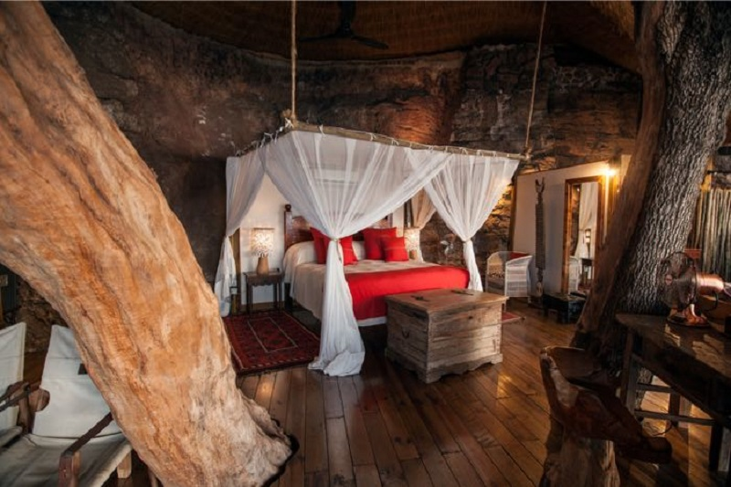 This is what it must be like to live IN THE MIDDLE of a tree. Photo: Tongabezi Tree House.