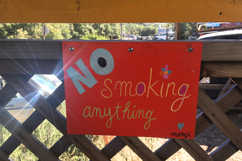 No smoking sign at cafe in Topanga Canyon