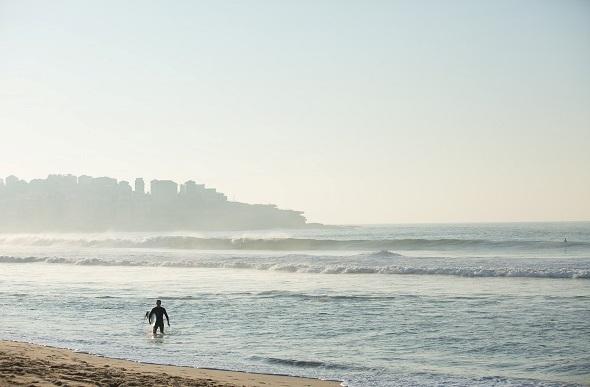 surfer bondi morning