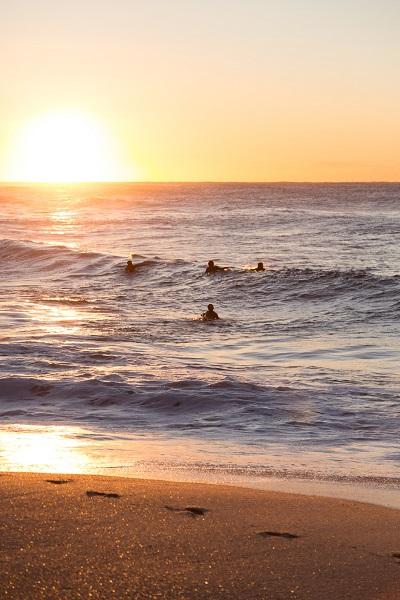 sydney surfers sunrise