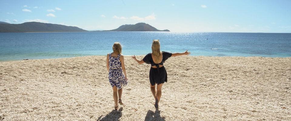 fitzroy island beach queensland