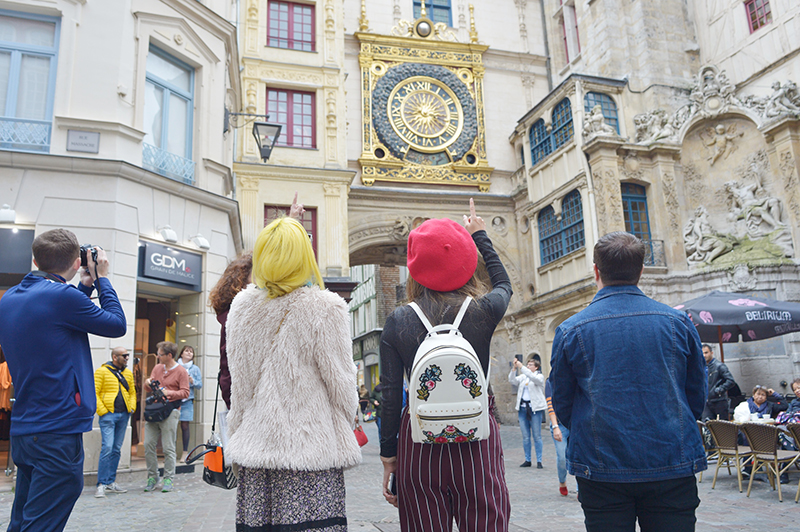 youth travellers exploring rouen