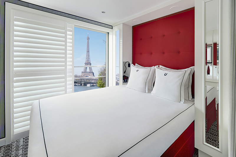 bedroom on the b u by uniworld
