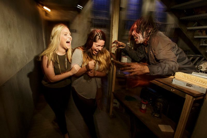 Screaming girls on scary thrill tour at Universal Studios Hollywood