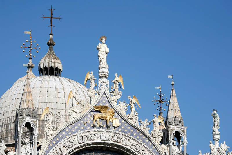 Detail of sculptures on the roof of the Basilica di San Marco in Venice, Italy.
