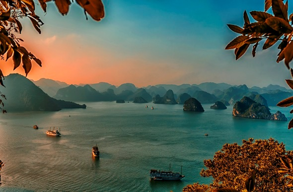 Halong bay sunrise from a lookout