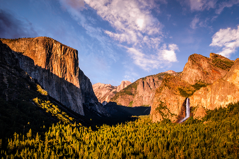El Capital and Half Dome rock formations in Yosemite National Park