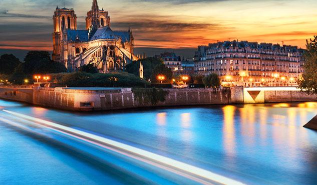 Notre Dame de Paris sunset