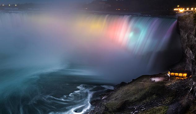 Colourful Niagara Falls at night